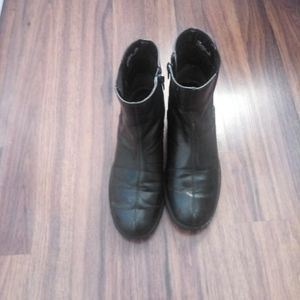 Women's black chelsea ankle boots